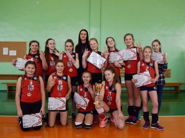 U13 meitenēm bronza LVF Latvijas Jaunatnes volejbola čempionātā