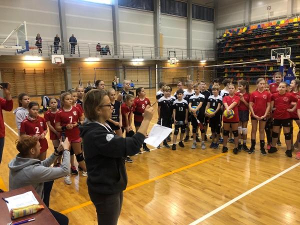"""Aizvadīti """"Ziemīši Liepājā"""" U12 vecuma volejbolistiem"""
