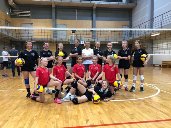 Jaunatnes komisijā LSSS volejbola trenere Inguna Valdmane